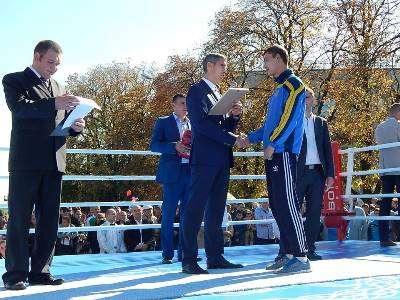Голова Черкаської обласної державної адміністрації  привітав кращого боксера міста Умань